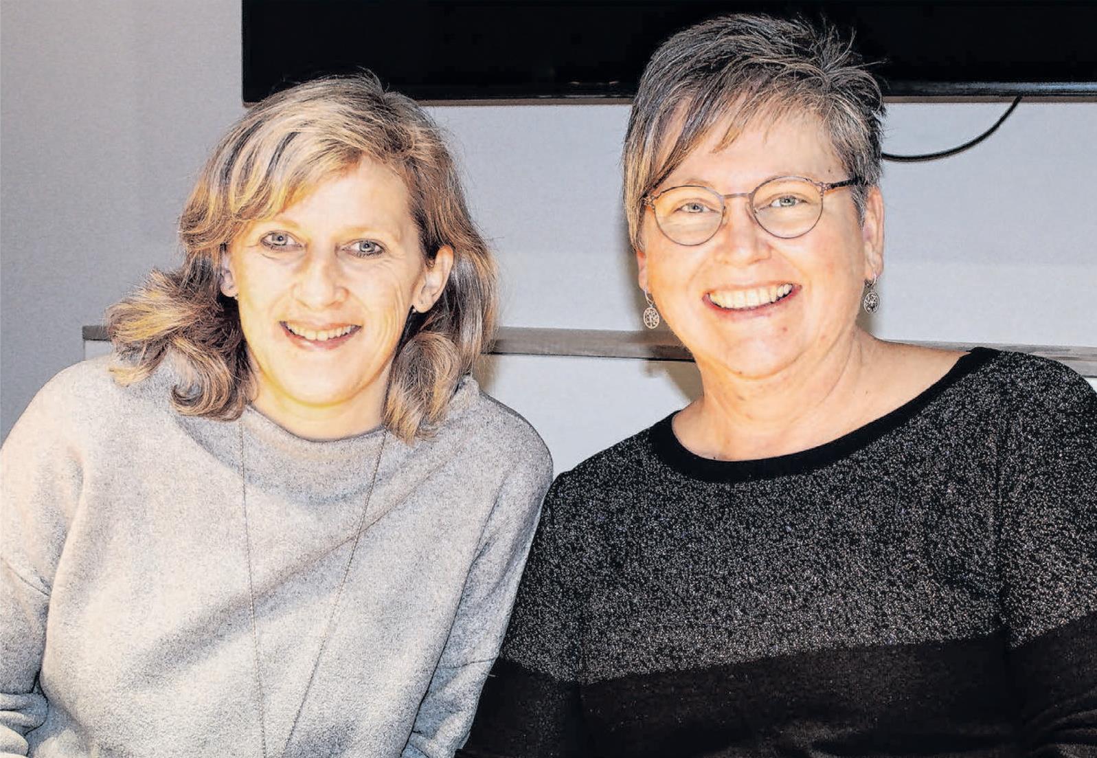 Das Vorstandsduo Ulrike Stoll-Dyma (links) und Katja Kohler will seinen scheidenden Dirigenten Bernd Haid am Sonntag würdig verabschieden. Foto: Sabine Hege
