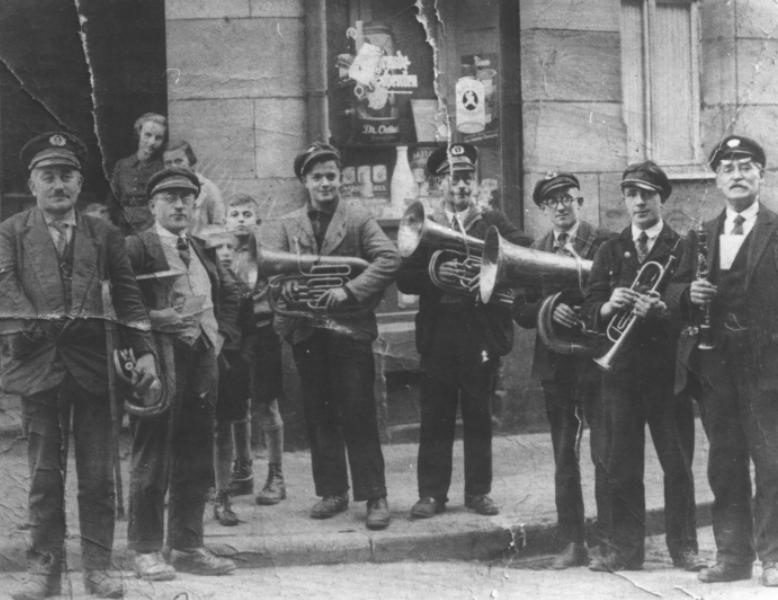 Aus alter Zeit zerknittert überliefert: typische Westpfälzer Wanderkapelle. Foto:Westpfälzer Musikantenmuseum Mackenbach/frei