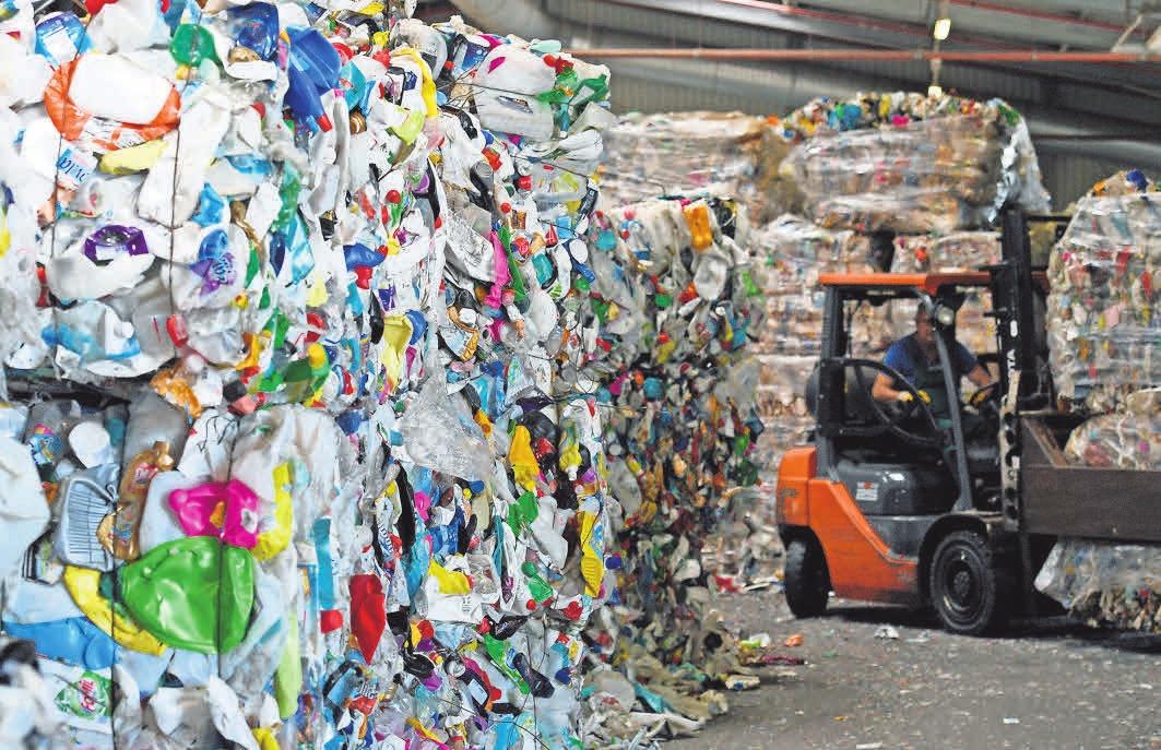 Kunststoff als Material hat für die Industrie viele Vorteile. Der Umgang mit dem späteren Abfall ist aber schwierig. FOTO: DPA