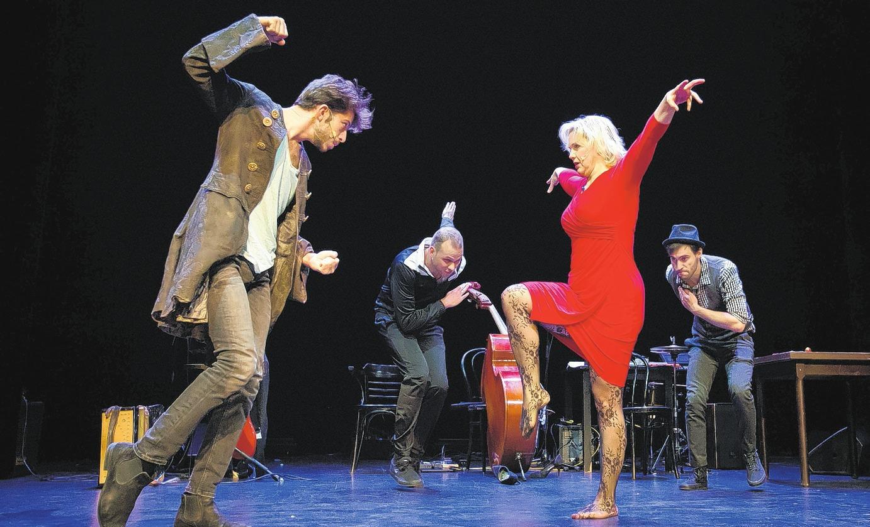 Weihnachten - ein Fest für alle Theaterfans Foto: Bo Lahola