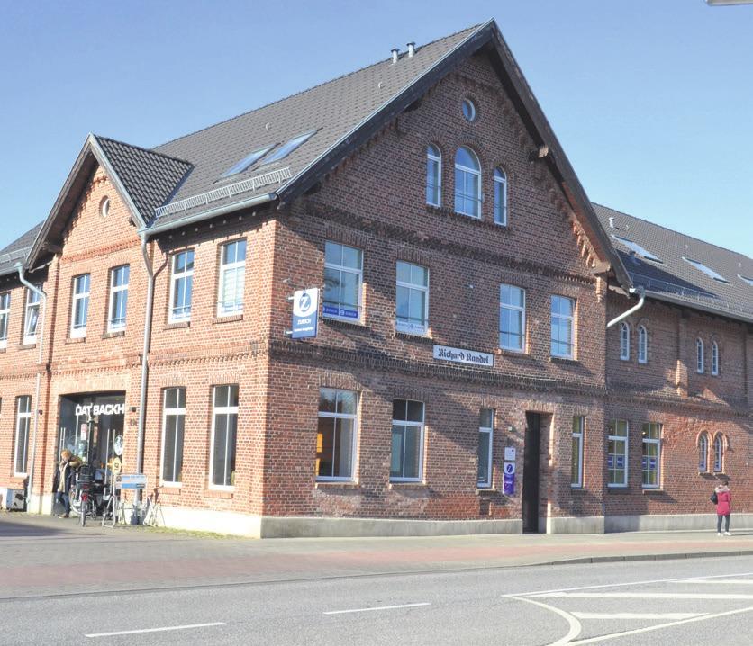 Im ehemaligen Randel-Hof befindet sich heute Dat Backhus (l.) in den Kröger-Hofzog Aldi ein. Fotos: rg