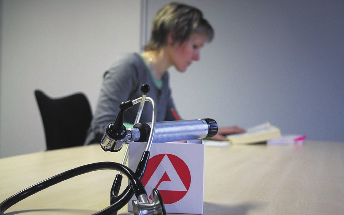Die Simulation des Tests für medizinische Studiengänge (TMS) bereitet auf den zentralen Zulassungstest vor. Symbolfoto: Bundesagentur für Arbeit