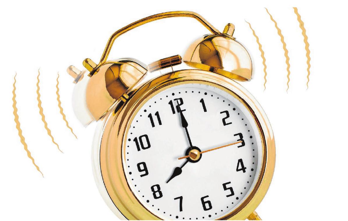 Auszubildende sollten sich unbedingt den Wecker stellen, damit sie nicht zu spät zur Arbeit kommen. Foto:© Andrey Kuzmin – Fotolia.com
