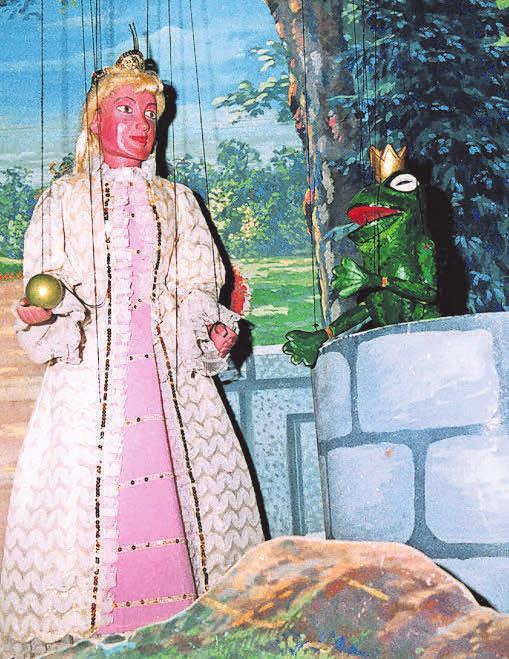 """Szene aus """"Der Froschkönig""""."""