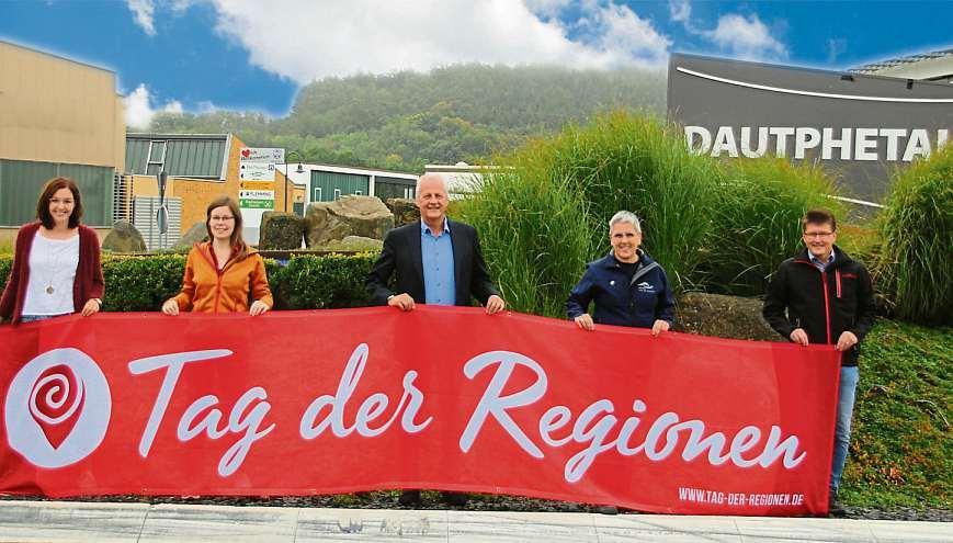 Freuen sich zusammen auf den Tag der Region in Dautphetal: (v.l.) Vanessa Theofel, Meika Lübbeke, Bernd Schmidt, Marion Klein und Ralf Mevius. Archivfoto: Sascha Valentin