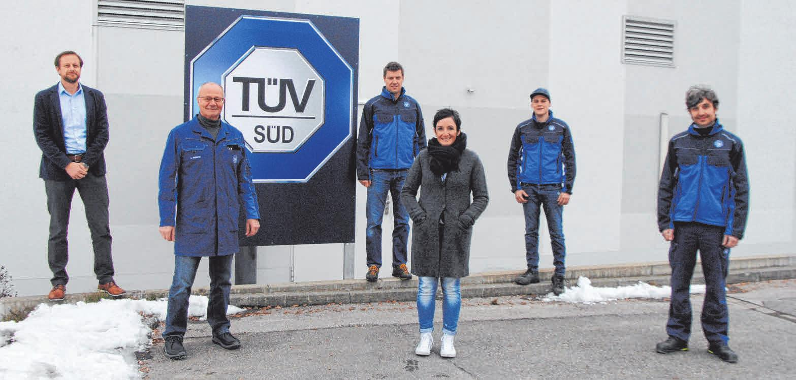 Im Bild ist das TÜV-Team von links: Dominic Weiland, Anton Weiland, Nico Zaharanski, Sabine Rössig, Max Fischer und Thomas Hartmann.