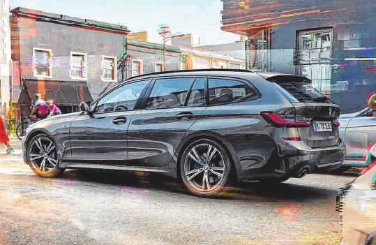 Zum Herbst-Opening werden drei neue BMW-Modelle vorgestellt. Natürlich kann man sich auch allgemein ein Bild von der BMW-Welt verschaffen. Alle Abbildungen zeigen Sonderausstattungen. Fotos: oh/TS