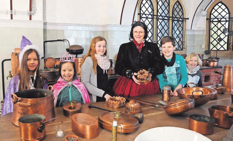 Kinder-Ferien- Führungen im Schloss. Georg Andretty