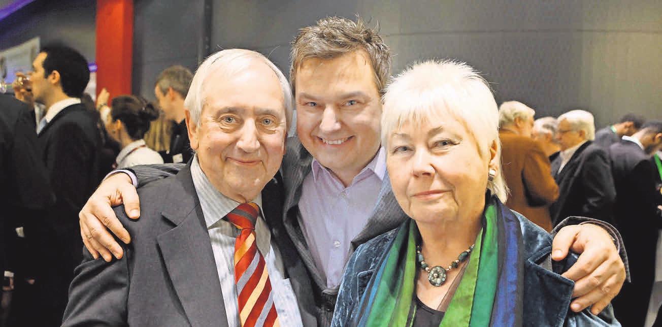 Lange her: NP-Mann Christoph Dannowski vor acht Jahren mit seinem inzwischen verstorbenen Vater Hans Werner und Mutter Edith. RAINER DRÖSE