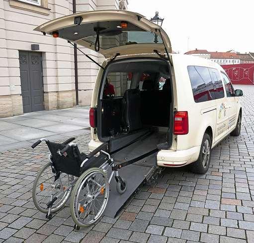 Unternehmen können ihre Großraumtaxis kostenlos in barrierefreie Taxis umrüsten lassen. FOTO: SOZIALVERBAND DEUTSCHLAND