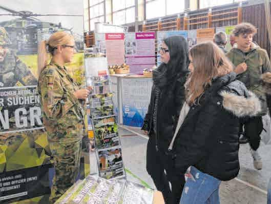 Die Bundeswehr wird in Munderkingen informieren.