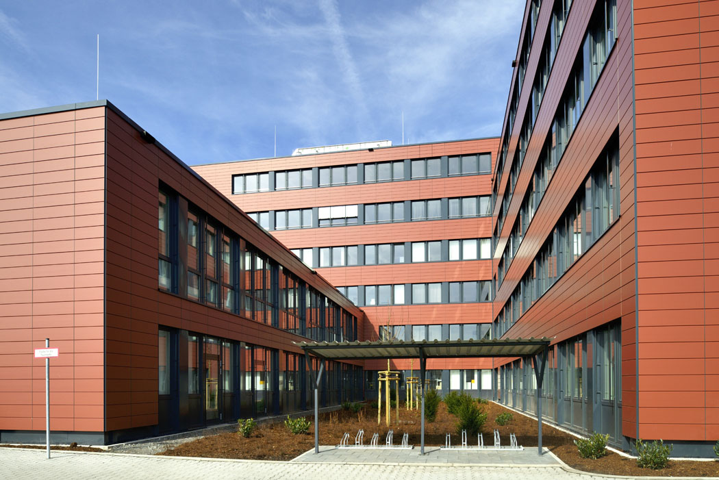 In nur acht Monaten Bauzeit vor Ort wurde das Bürogebäude der Bundesagentur für Arbeit Köln am Butzweilerhof realisiert. Foto: ALHO