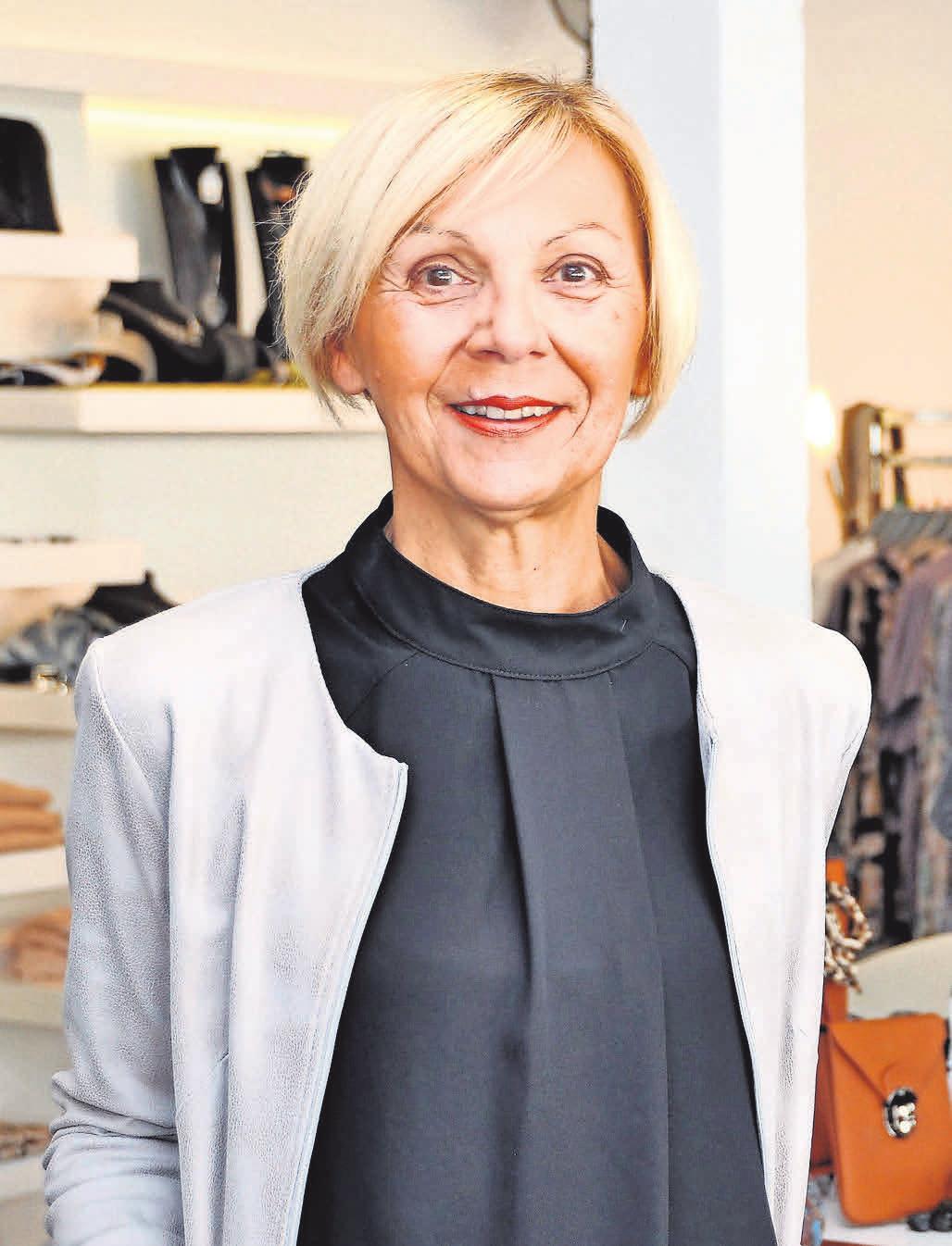 Sie weiß, was Frauen tragen können und sollen: Gabriele Fiedler-Ksiazyk bietet Mode vom Feinsten. Foto: Archiv