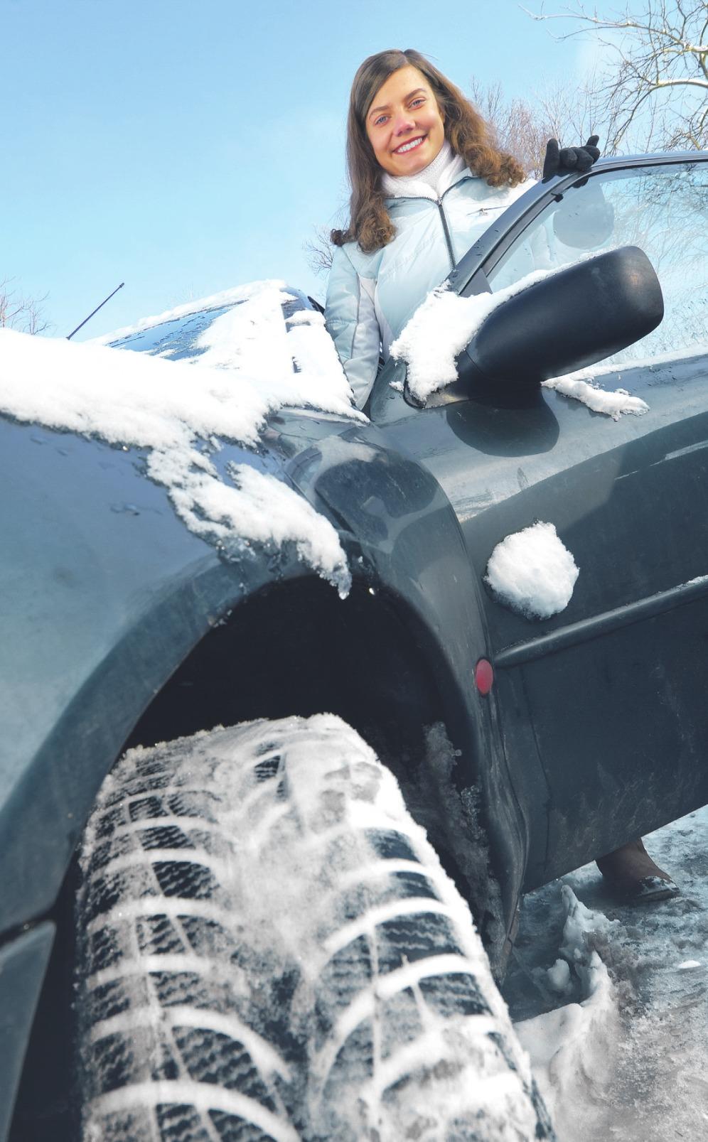 Mit der richtigen Ausrüstung und Kleidung ist Autofahren im Winter kein Problem. Foto: mkrberlin/ stock.adobe.com