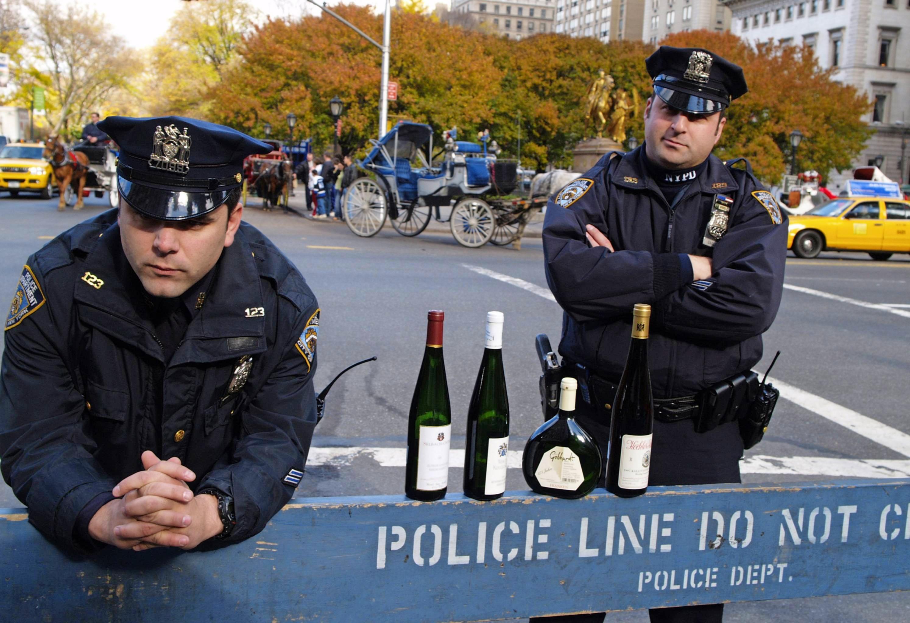 Die Hürden für Weinimporte in die USA sind von jeher hoch. Nun schlägt die Trump-Regierung nochmal drauf. Foto: DWI