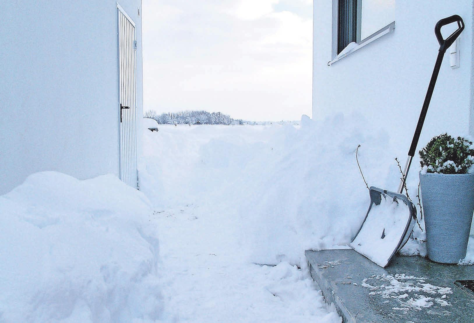Wichtige Zugänge und Wege am Haus müssen gefahrlos begehbar sein. Foto: tdx/Mein Ziegelhaus