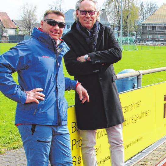 2017 wurde Mang einstimmig zum 1. Vorstand gewählt. Dort engagierte er den Ulmer Ex-Profi Karsten Krannich als sportlichen Leiter, um eine aufstiegsfähige Mannschaft zusammenzustellen. Lindau landete im vorigen Jahr auf Platz 2 und ist aktuell Dritter in der Kreisliga A. Mang kümmert sich mit seinen Kontakten um Sponsoren und die Verbesserung der Infrastruktur.