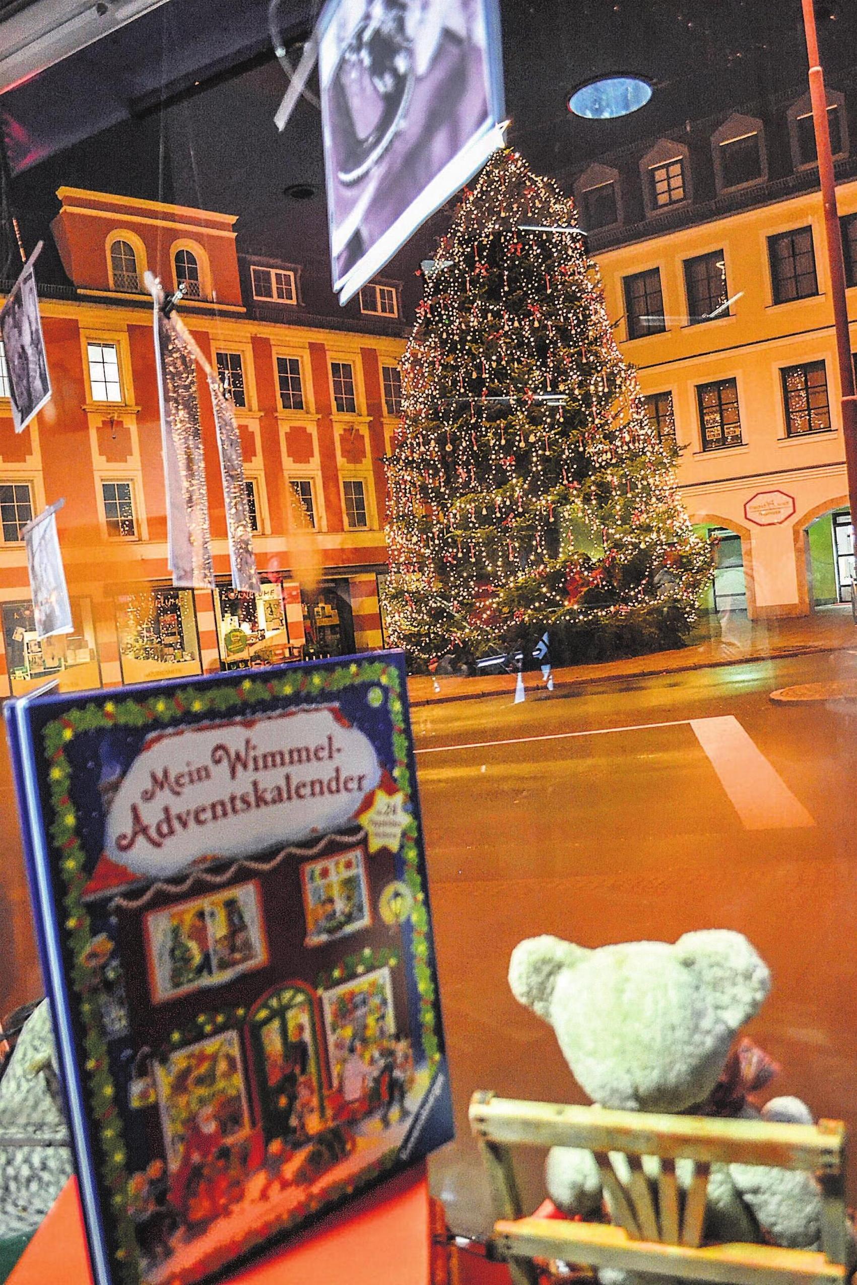 "Das Haus am Marktplatz 1, Heimat der ""SelbKultur"", ist auch zur Weihnachtszeit liebevoll geschmückt. Fotos: Silke Meier"