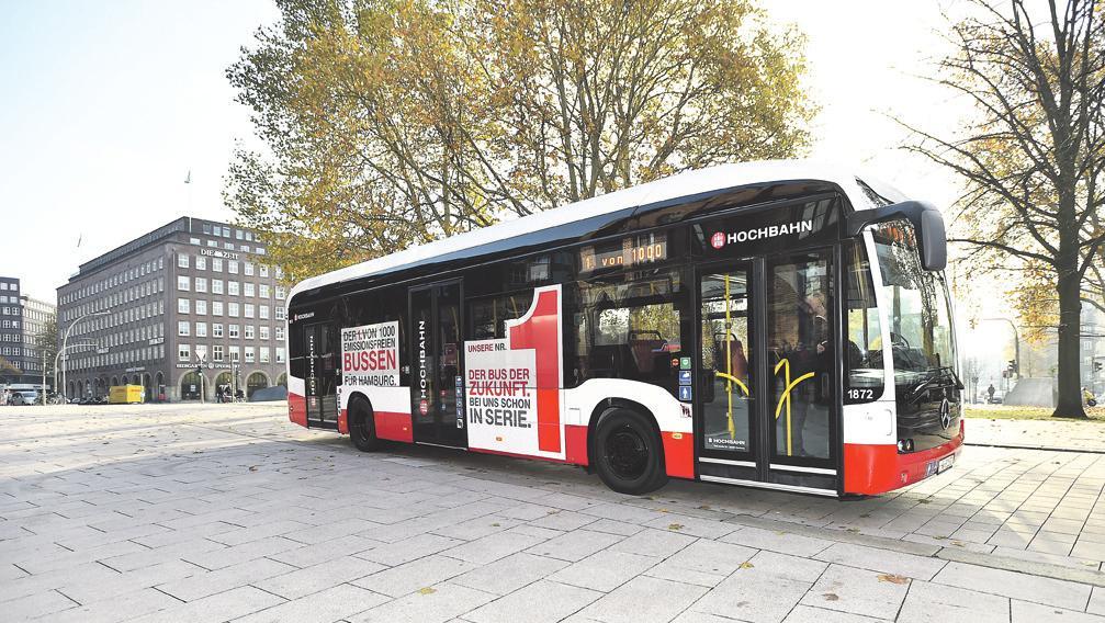 Ein vollelektrischer Bus der Hamburger Hochbahn. Das städtische Unternehmen will bis 2025 auch bis zu 50 Brennstoffzellenbusse anschaffen Foto: Hochbahn
