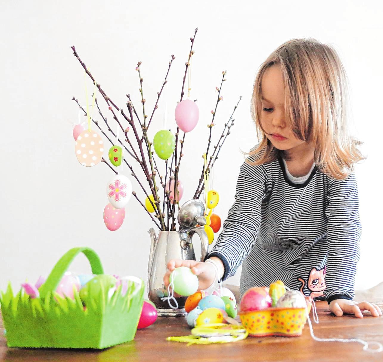 Rund um Ostern gibt es viele Möglichkeiten, mit den Kindern tolle Dekoration zu basteln, die sich ideal auf dem Festtagstisch macht. Bild:Mascha Brichta/dpa-tmn