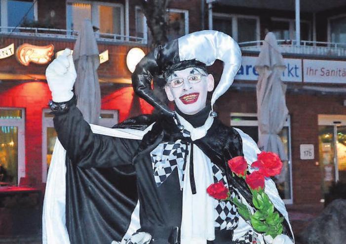 Clownin Nobertine sorgt für Spaß und Unterhaltung.