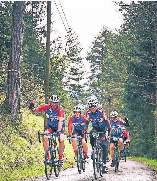 Auch auf dem Rennrad wird der Naturpark erkundet.