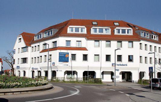 Den traditionellen genossenschaftlichen Werten verpflichtet, hat sich die Volksbank in Rottenburg zu einer leistungsstarken Geschäftsbank weiterentwickelt, die ihren Mitgliedern und Kunden Leistungen von hoher Qualität und moderne technische Lösungen bietet.