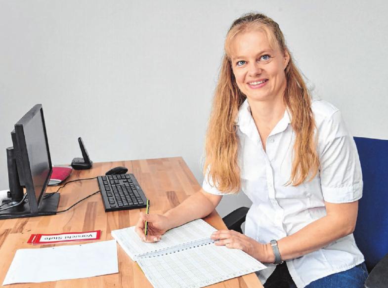 Physiotherapeutin Antje Richter möchte ihren Patienten zu mehr Lebensqualität verhelfen. Fotos: Jürgen Emmenlauer