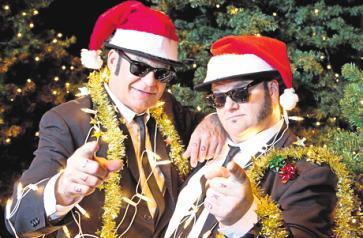 Chris und Geoff Dahl als weihnachtliche Blues Brothers. FOTO: ANDREASFRIESE