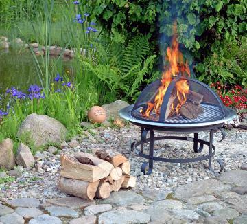 Feuerstellen sorgen für ein gemütliches Ambiente. Fotos: dpa