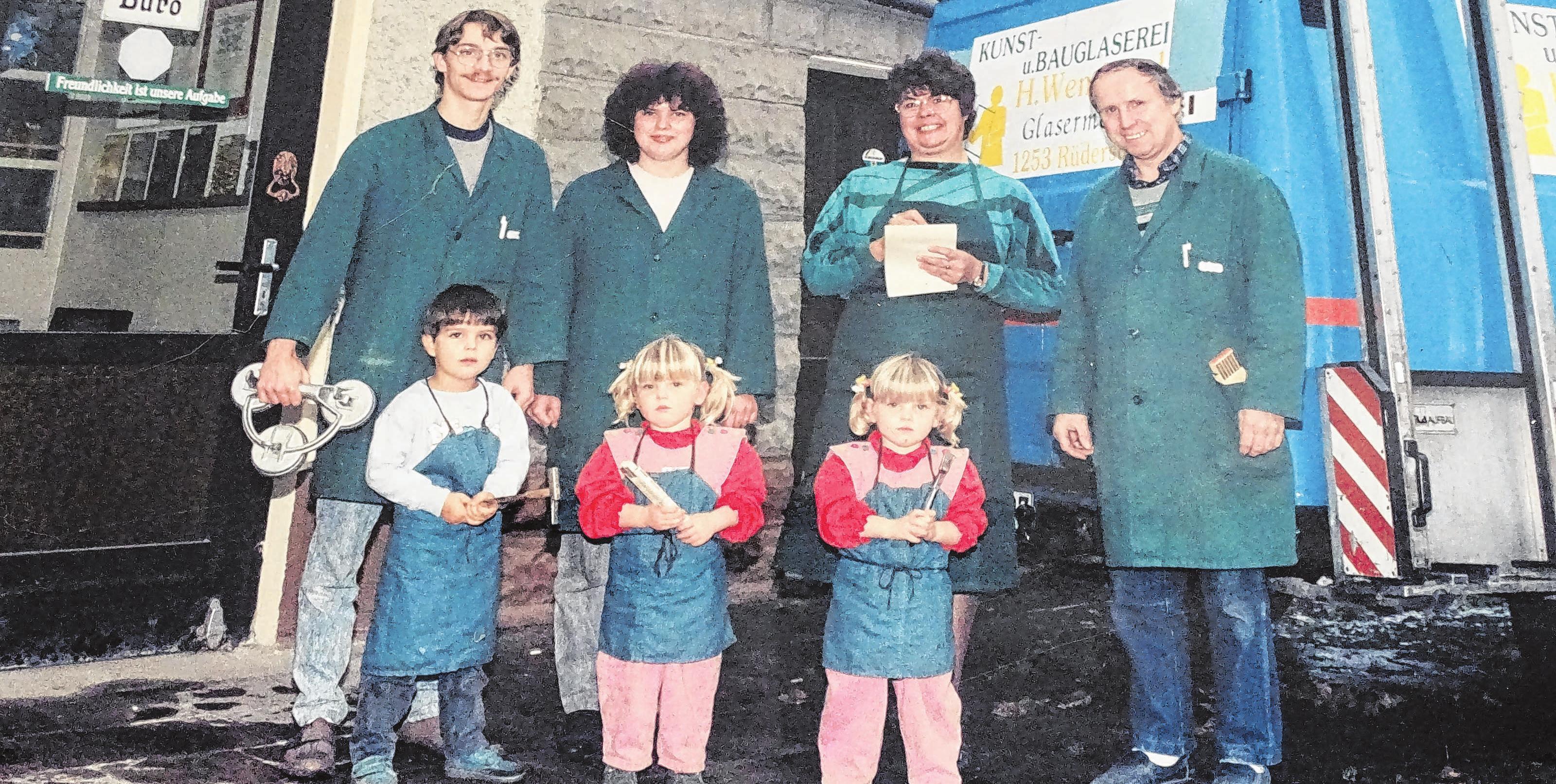 Die Familie Wendland/ Stepke: (hinten von links) Wolfgang Stepke, Antje Stepke, Sibille Wendland, Horst Wendland, (vorne von links) Marko Stepke, Anja Stepke, Susann Stepke Foto: privat