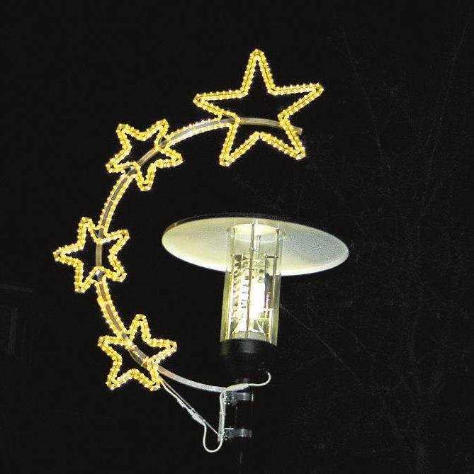 Die hübsche Weihnachtsbeleuchtung, von den Händlern der Einkaufsmeile selbst finanziert, hängt aktuell noch nicht, wird laut IG-Sprecher Wilhelm Bergmann aber in wenigen Tagen installiert. Fotos: Dana