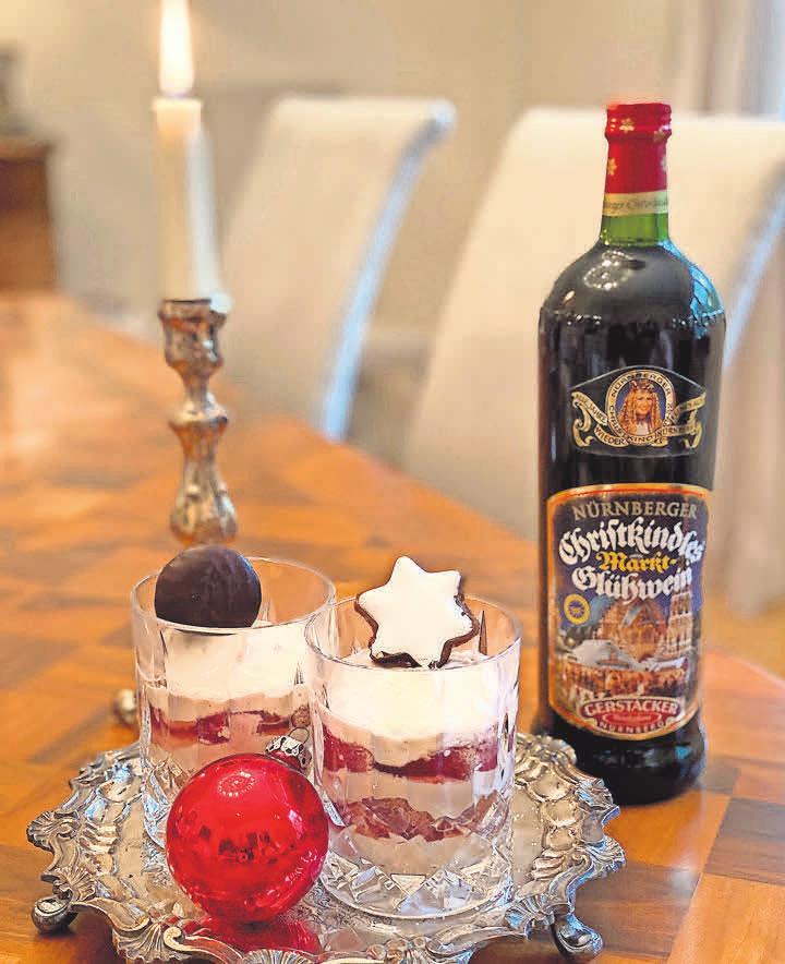 Mit dem Glühwein-Tiramisu kann man zur Adventszeit Gäste verwöhnen. Foto: djd/Gerstacker Weinkellerei