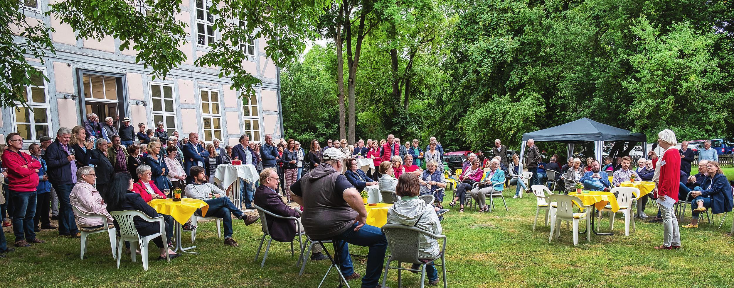 Die jährlich stattfindende Sommerakademie des Künstlerhauses hat sich längst zum Publikumsmagneten gemausert und zieht neben Hobbykünstlern auch viele Besucher an. Copyright Jaco van Schalkwyk, Copyright Rüdiger Rodlofft