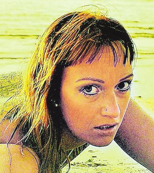 42 Melanie 33