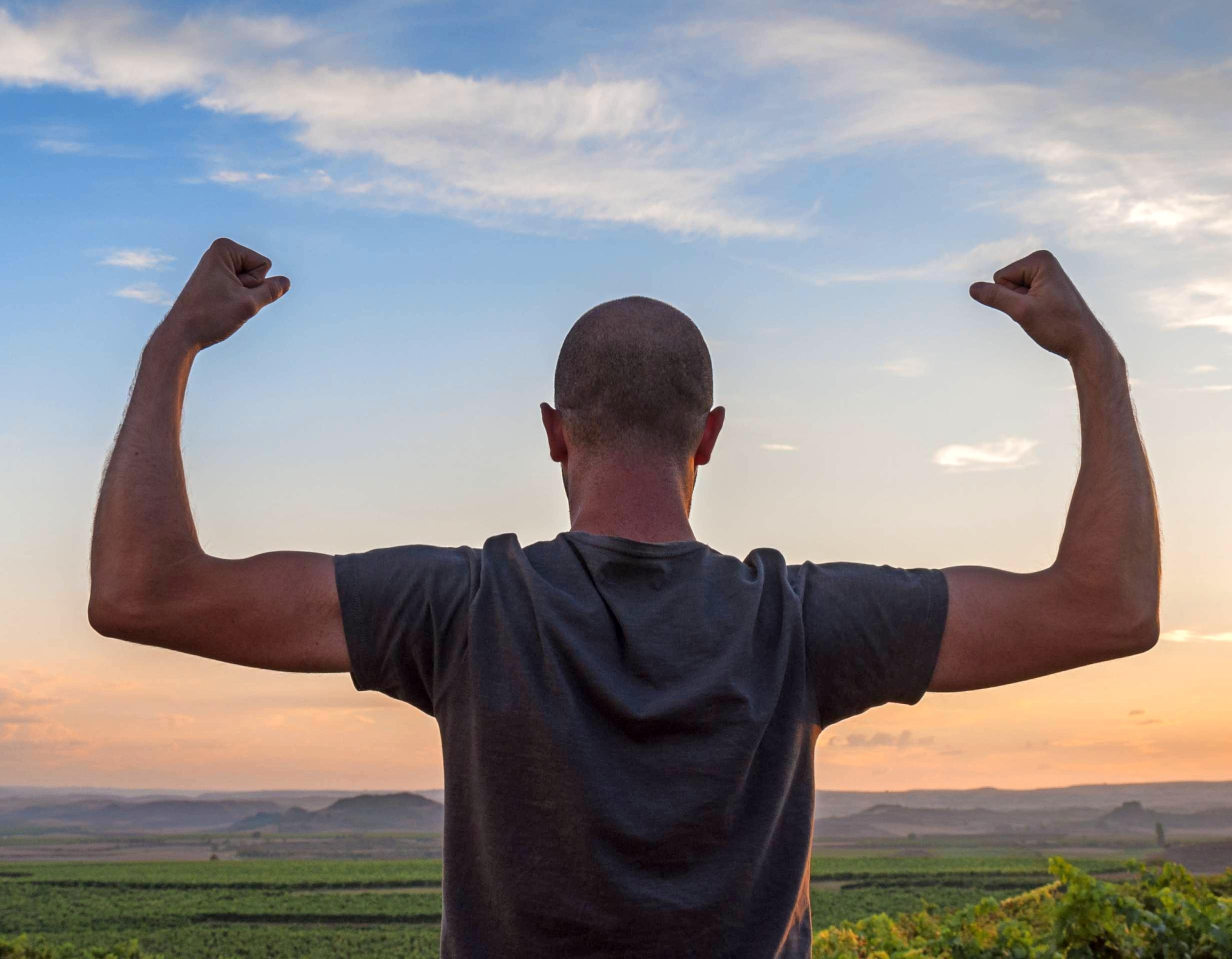 Alles fit? Fühlen sich Männer den täglichen Herausforderungen nicht mehr gewachsen und stattdessen müde, lustlos und ohne Antrieb, kann ein Testosteronmangel dahinter stecken.Foto: irantzuarb/stock.adobe.com