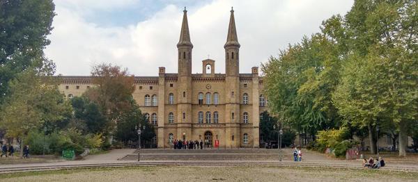 Ehemaliges Krankenhaus Bethanien in Kreuzberg, jetzt Künstlerhaus, 2018.