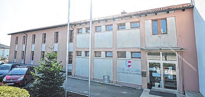 Photovoltaik-Dach für die Schule in Christkindl Foto: feh
