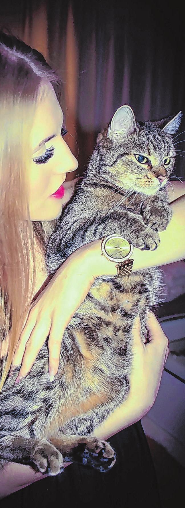 Ein unzertrennliches Paar: Pamela und ihre Hauskatze Lilly