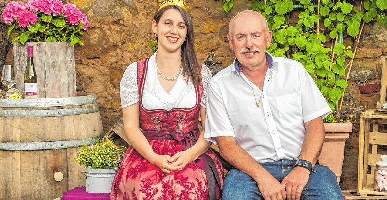 Freuen sich aufs Fest: Weinprinzessin Nadine Pfister und Burkard Heßdörfer, Vorsitzender des Winzervereins