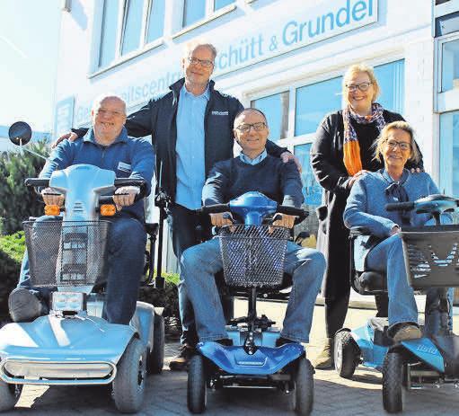Das Expertenteam von Schütt & Grundei berät während der Mobilitätswoche. Foto: pa