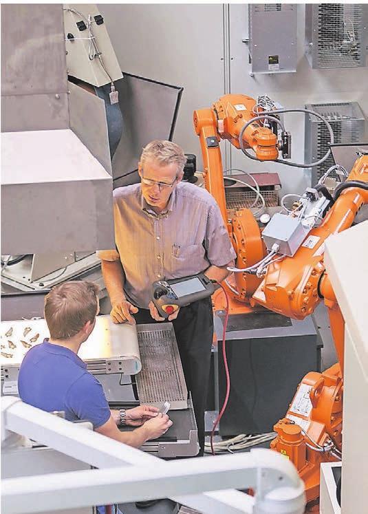 Die enge Verzahnung von Mensch und Maschine ist für den Maschinenbauer aus Cronenberg der richtige Weg gewesen.