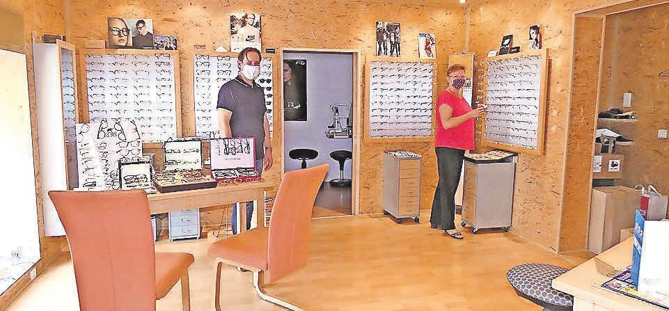 Das Ehrmann-Team achtet im persönlichen Kontakt auf die derzeit geltenden Hygienestandards wie das Tragen von Schutzmasken