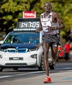 Dennis Kipruto Kimettos Weltbestmarke über 25 km von 2012 gilt bis heute. FOTO: SEBASTIAN WELLS / IMAGO SPORTFOTODIENST