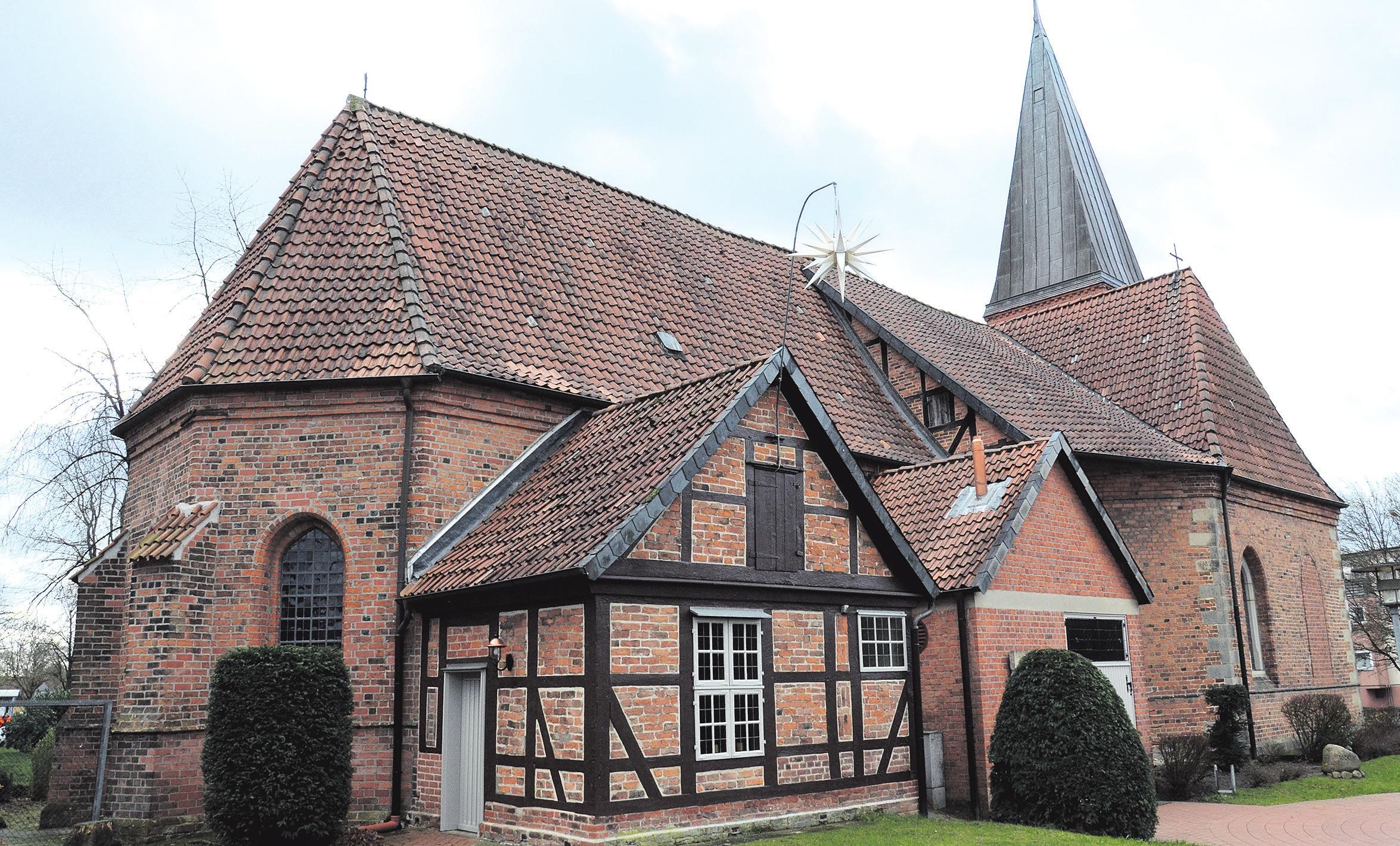 Die St. Georgskirche in der Celler Blumlage. Fotos: Müller