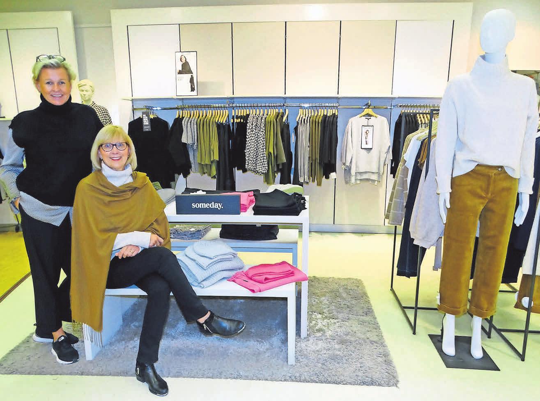 Catrin Jacob (links) und Angelika Diers vom Trendhaus Ohlau freuen sich über das neue Modelabel Someday.
