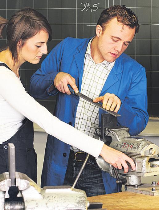 Besonders gefragt sind etwa Lehrstellen in der Metallbranche. Foto: ehrenberg-bilder/Stock Adobe.com