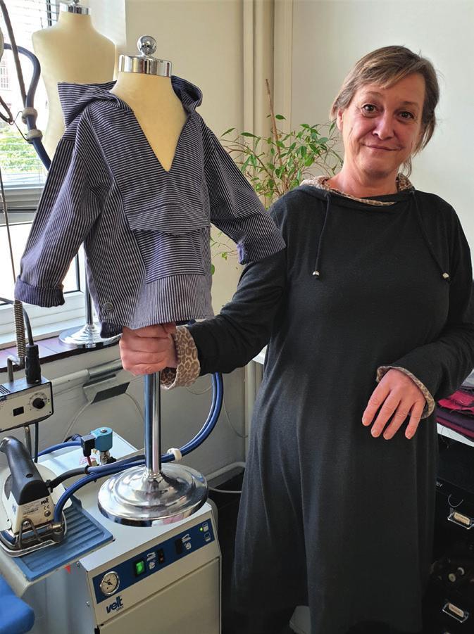 Schneiderin Lucia Maria Hartwieg hat immer neue Ideen für den Klassiker