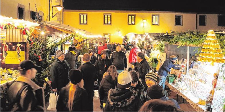 Krippen-Ausstellung, Projektchor und Kindertheater sind nur einige der Programmpunkte. Fotos: Stadt Schrozberg