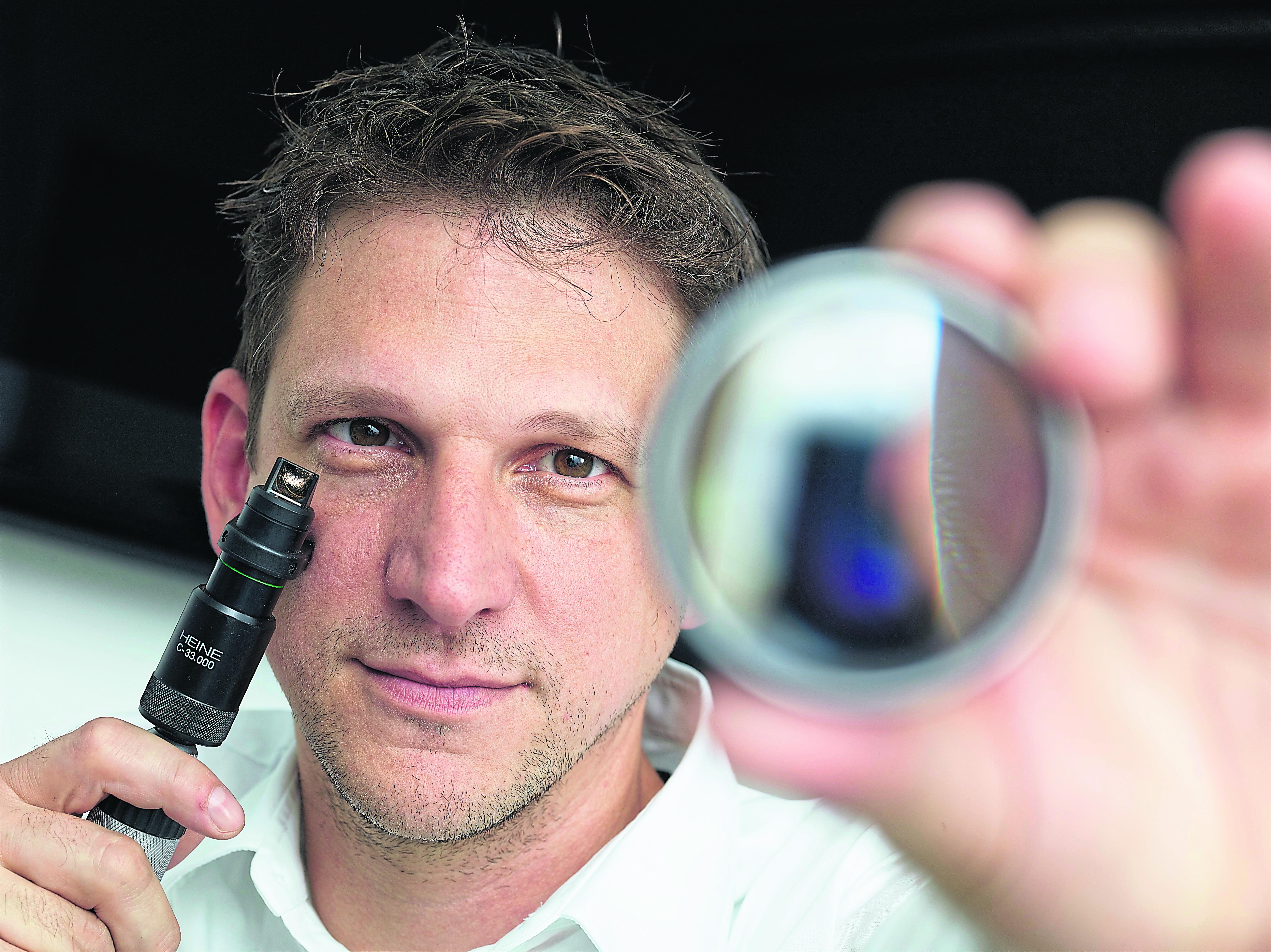 Dr. med. univ. Elmar Winsauer, Facharzt für Augenheilkunde, ärztliche Leitung OSG Augenzentrum Düsseldorf
